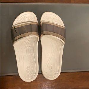 Crocs Metallic Sliders